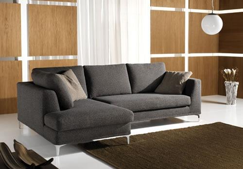 Soggiorno moderno: poltrone, divani, parete attrezzata, quadro ...