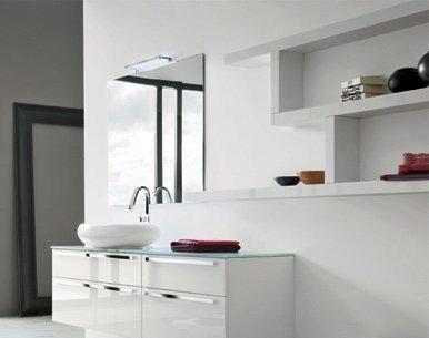 Pareti bagno moderno piastrelle bianche o colorate fantasia decorazioni in vinile pensili - Pareti bagno senza piastrelle ...